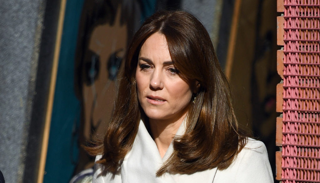 Kate Middleton supervised by the Queen: she must not make mistakes like Meghan Markle
