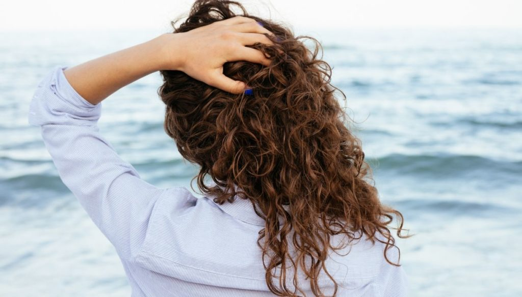 Dry your hair in summer: the best methods without heat