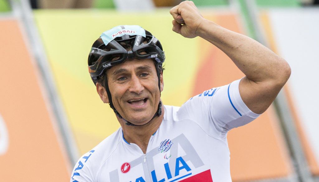 Come on Alex Zanardi, the affectionate messages of friends, fans and colleagues