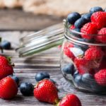 Diet with red fruits: against intestinal disorders and inflammations