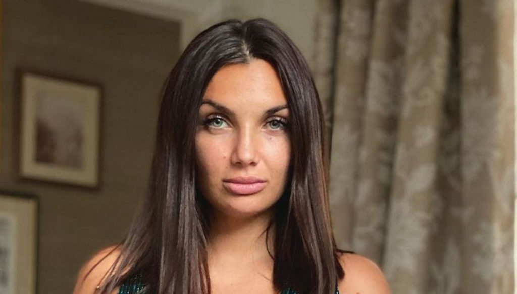 Elettra Lamborghini wins everyone over on TV, but clashes with her father Tonino for the wedding