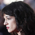 Live, Asia Argento collides with Sandra Milo and talks about Corona