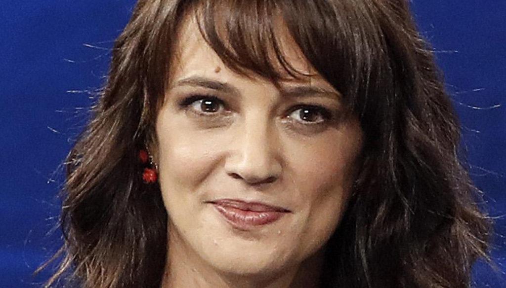 Live – Non è la D'Urso, Asia Argento replica a Morgan ed Eleonora Giorgi si scusa con lei