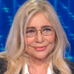 Mara Venier celebrates the anniversary with Nicola Carraro and announces the farewell to TV