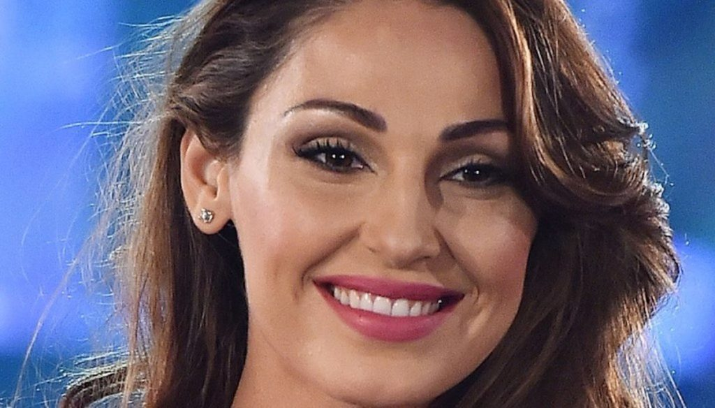 Anna Tatangelo has fun with Gregoraci: evening with singles, but in sweet company
