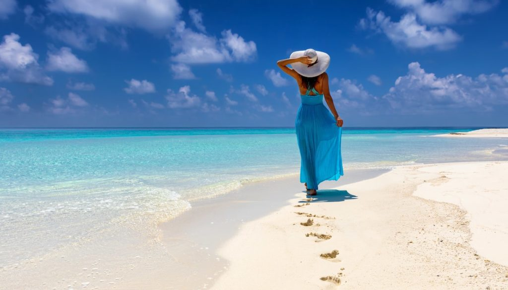 Blue therapy: walking by the sea is good for mental health