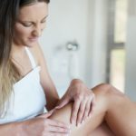 Cellulite, the effects of scrubs and coffee massages