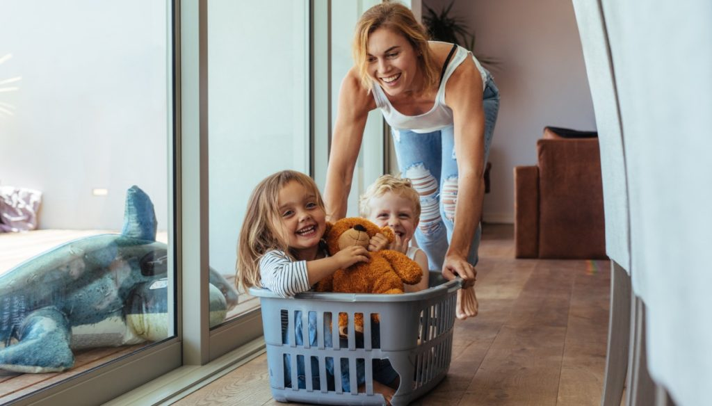 Close children of age: a conscious choice. Here are the benefits