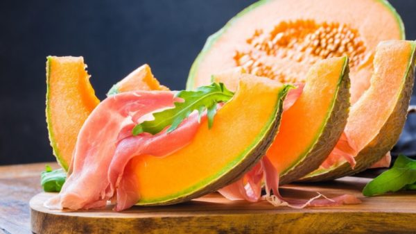 Diet with melon, fight retention and fill up on antioxidants