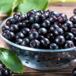 Elderberries, antioxidants and low-calorie: the benefits in the diet