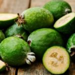 Feijoa to fill up on antioxidants and fight constipation