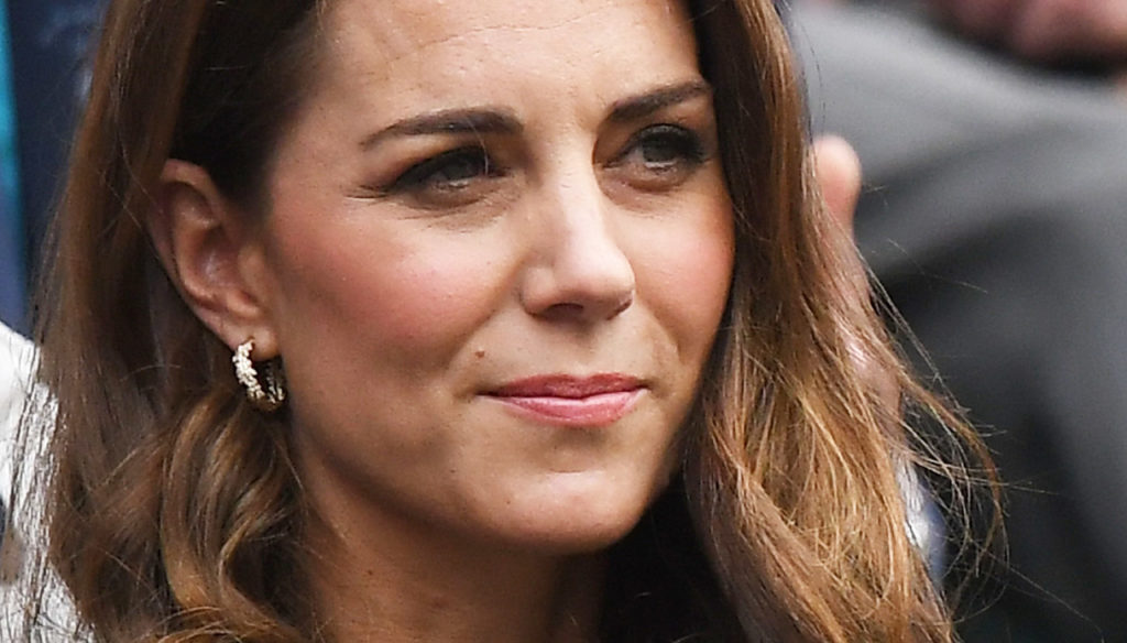 Kate Middleton, moves to get closer to the Queen and leave Meghan behind