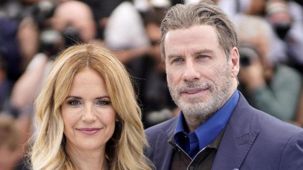 "Kelly Preston, wife of John Travolta, dies: ""He fought a brave fight"""