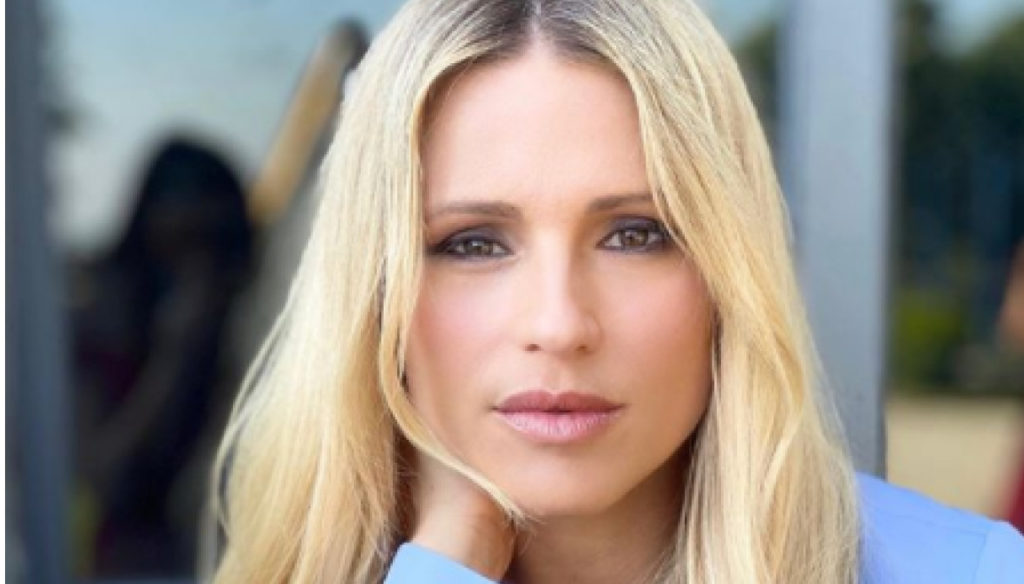 Michelle Hunziker, far from her family, enjoys success in Germany