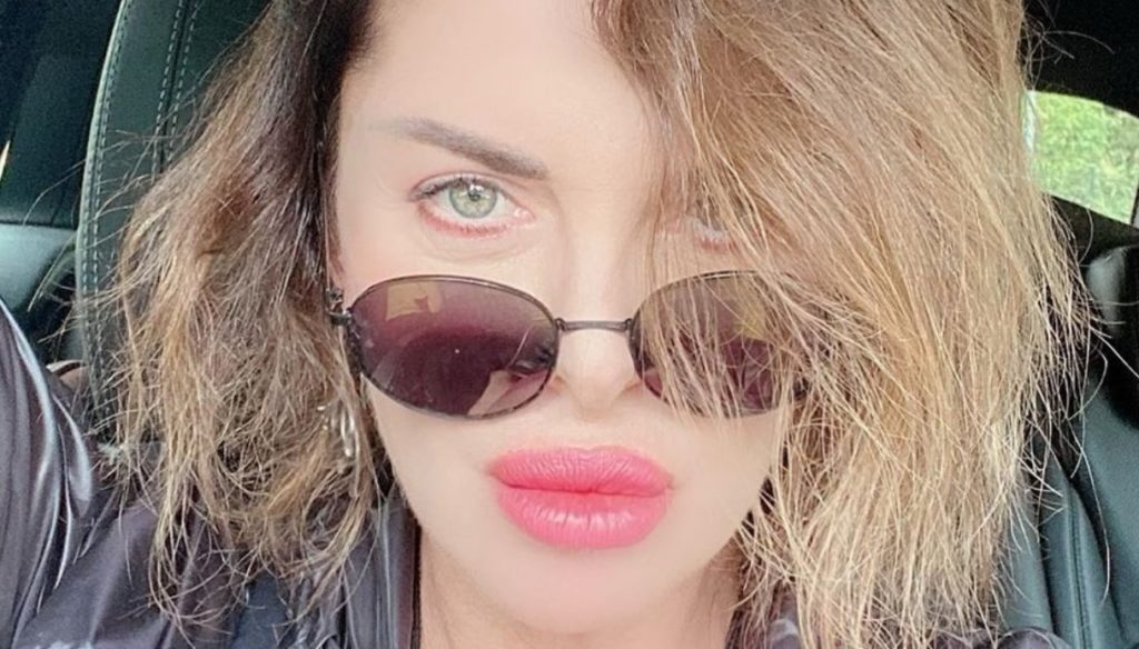 Alba Parietti gives us a cut: the new look on Instagram