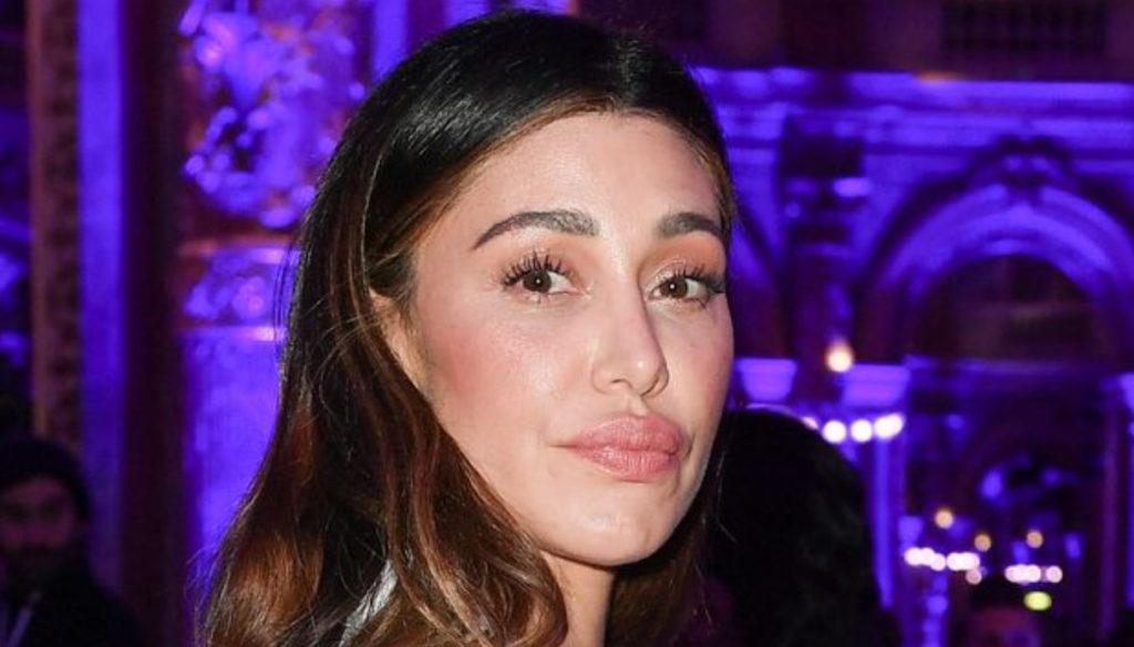Belen Rodriguez does not listen to Maria De Filippi and throws a dig at De Martino