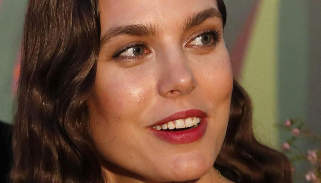 Charlotte Casiraghi's summer: the Italian holidays with her husband and the possible third pregnancy