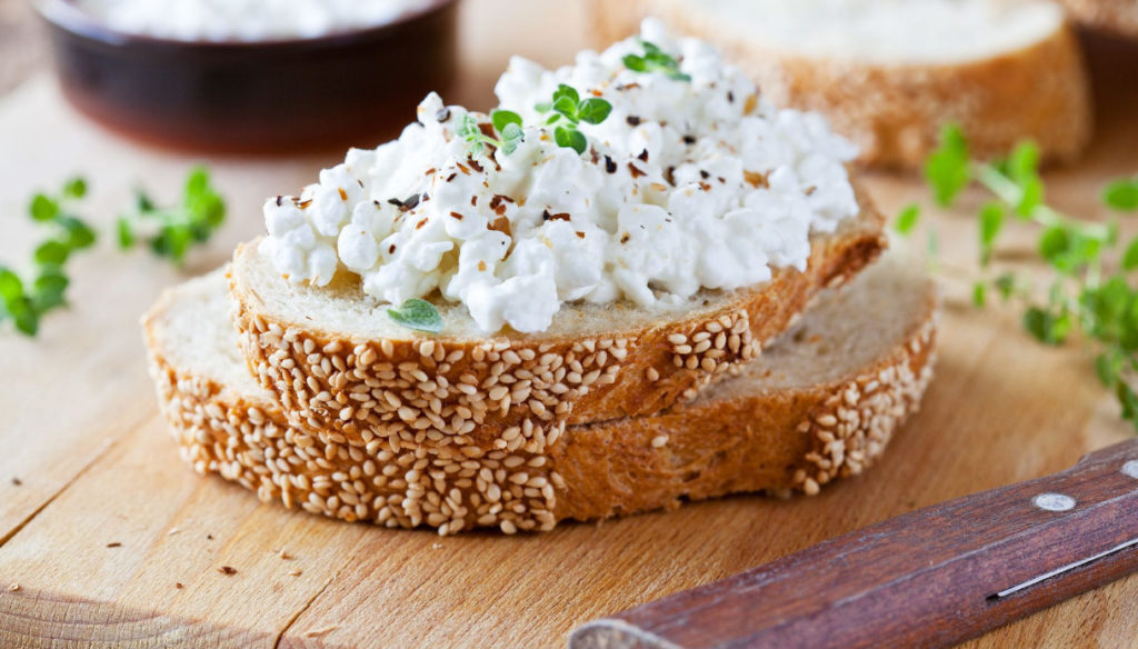 Cottage cheese diet, lose weight and improve metabolism