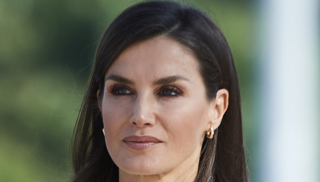 Letizia of Spain holidays over. And Juan Carlos moves to the Emirates