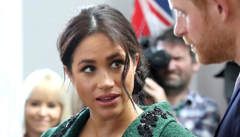 "Meghan Markle and Harry are looking for a job. ""They have to pay off the super loan of the villa"""