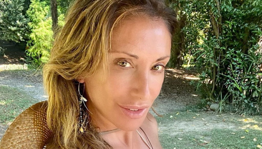 Sabrina Salerno without makeup and in a bikini at 52 is gorgeous: no one as beautiful as her