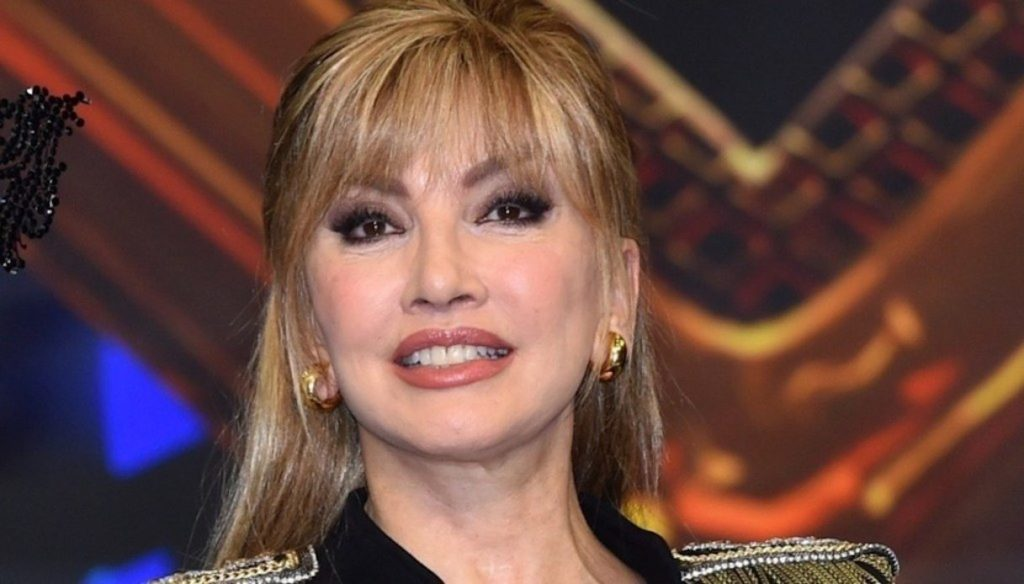 The Masked Singer, previews on the jury and competitors of Milly Carlucci's show