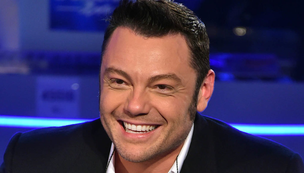 Tiziano Ferro adopts a new dog after Beau's death and still moves