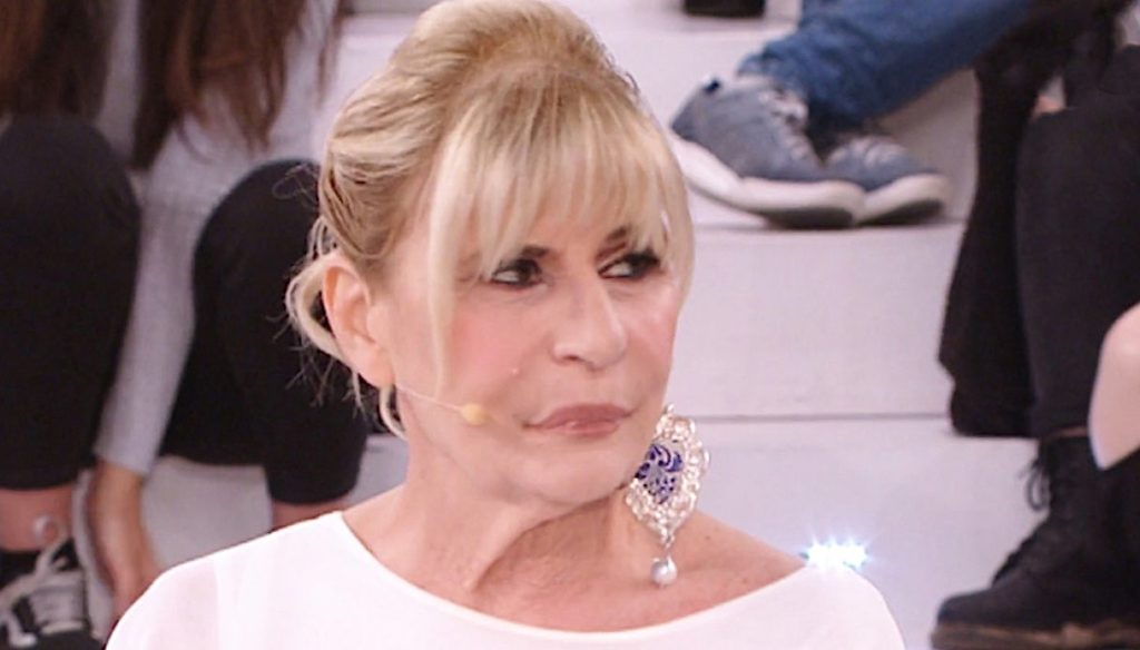 U&D, the previews: Gemma clashes with Tina and Sophie goes out with a suitor