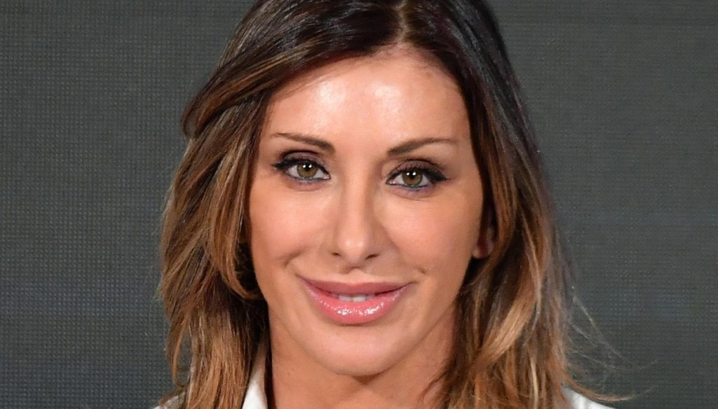 Sabrina Salerno, a real charm in a bikini. And announces a break from Instagram