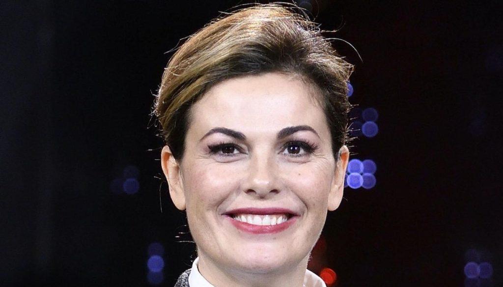 Seat Music Awards, Vanessa Incontrada chooses black again and finds Gigi D'Alessio again