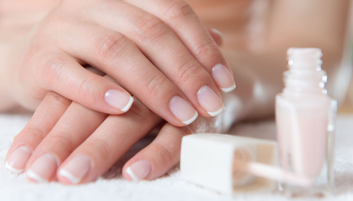 French manicure for autumn
