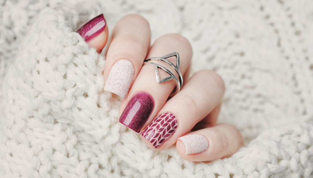 The colors to choose for an autumn manicure