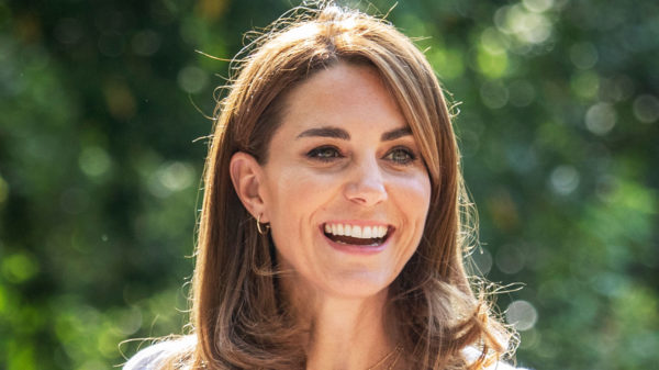 Kate Middleton surpasses herself: new hairstyle and 32 euro pants