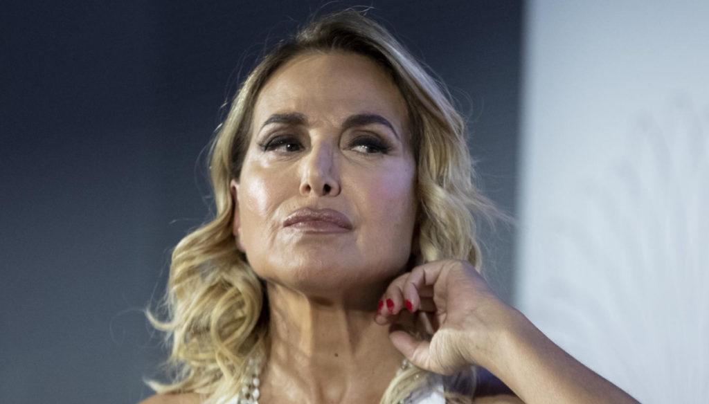 Barbara D'Urso riparte con Domenica Live e smaschera Soleil sul flirt con Iannone