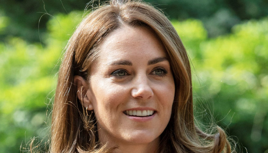 Kate Middleton, the secret meaning of the € 1,350 blue dress
