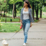 Walking, to burn calories and regulate blood pressure: the benefits