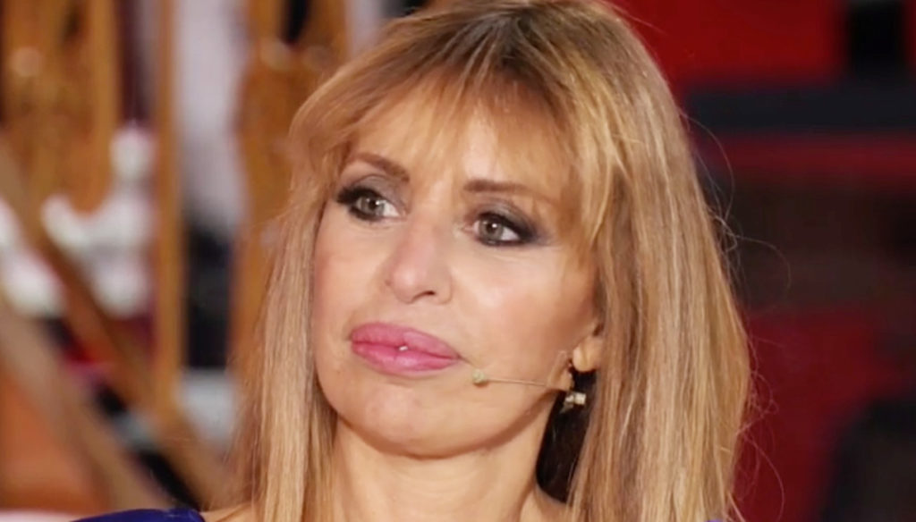 Italian stories, Alessandra Mussolini in tears by Eleonora Daniele after the accident