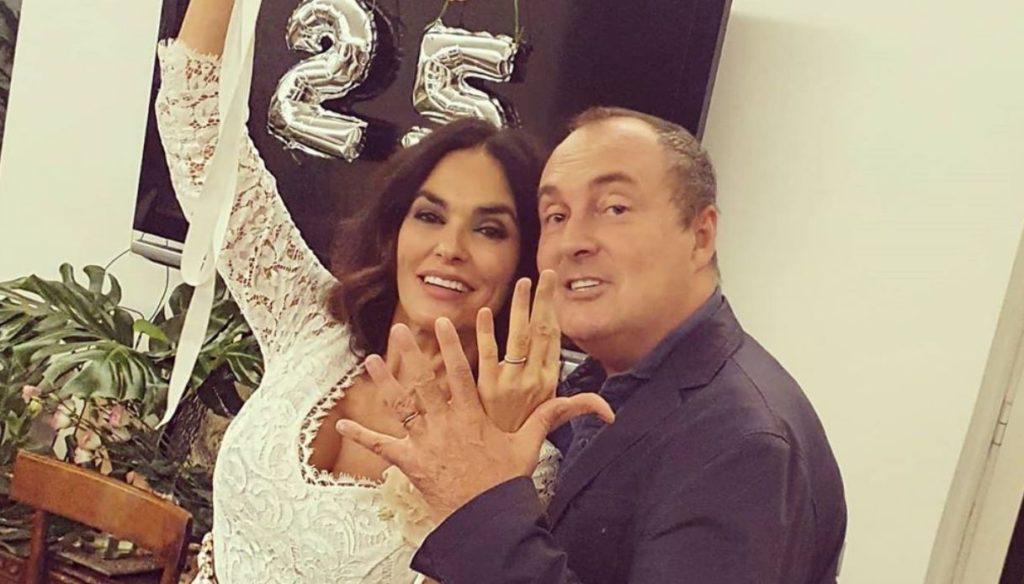 Maria Grazia Cucinotta, beautiful in white on Instagram, celebrates 25 years of love