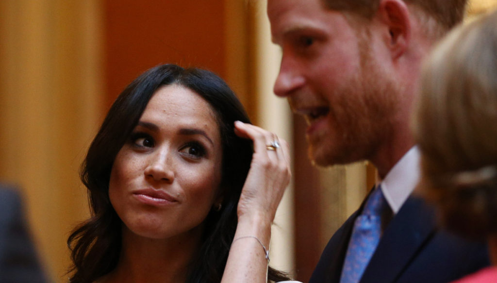 """Meghan Markle, Harry returns to London without her. """"Called back by the Queen"""""""