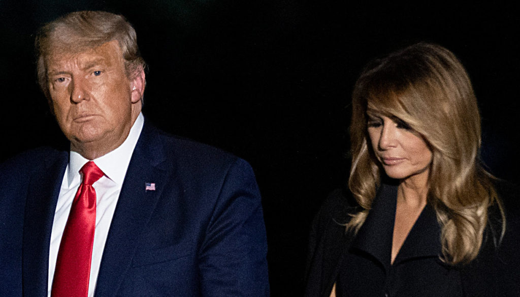 Melania Trump enchants with the perfect dress but is freezing with Donald in the debate with Biden