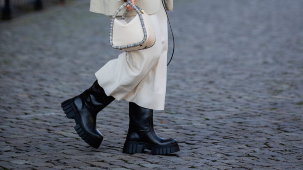 Kombat boots: combat set-up in the city