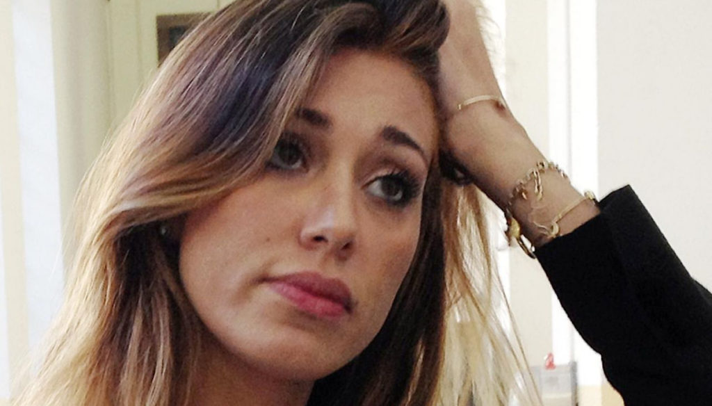 Belen Rodriguez, Antonino Spinalbese gets angry with the paparazzi