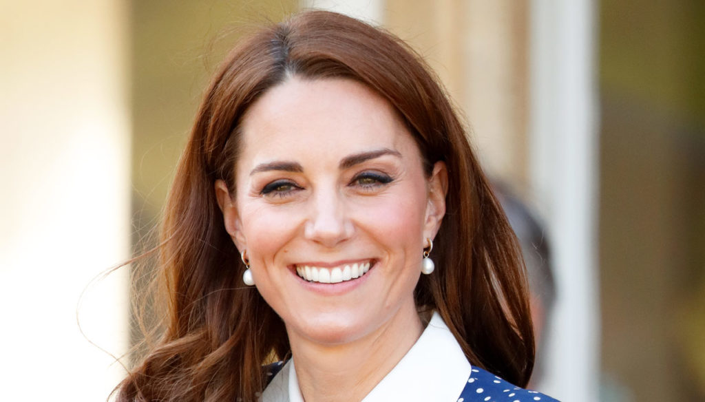 Kate Middleton on tv with the perfect suit: beats Meghan Markle