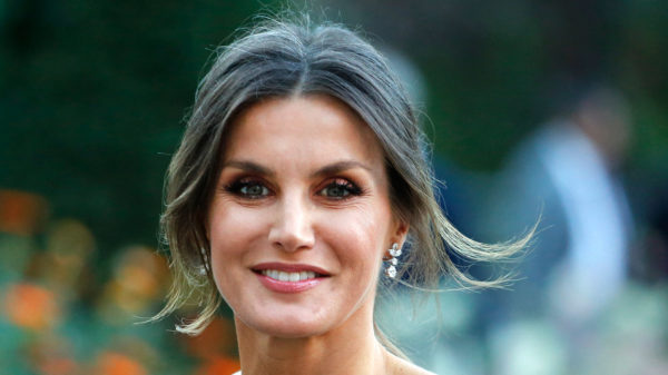 Letizia di Spagna, the timeless power of her jacket