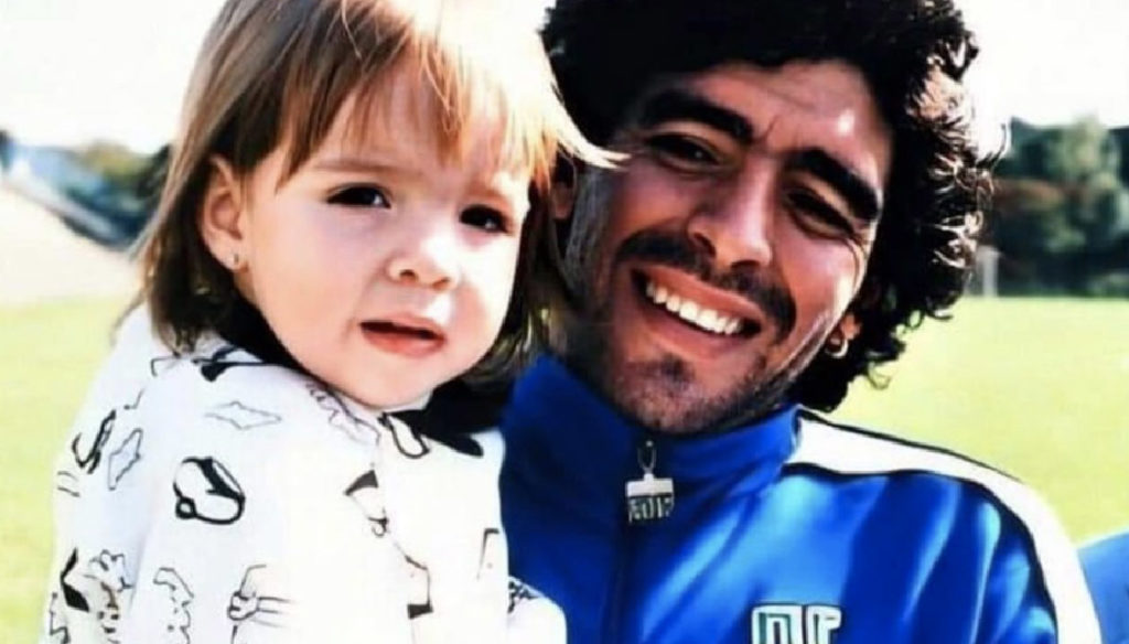 "Maradona, his daughter Dalma breaks the silence: ""I will love you forever"""