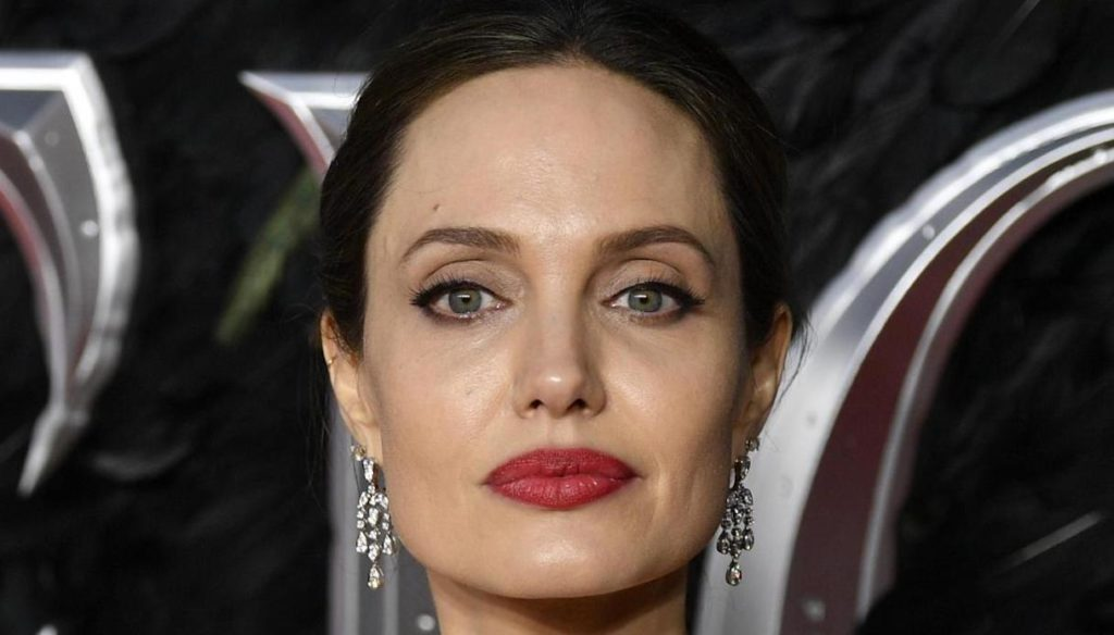 Angelina Jolie loses to Brad Pitt in court