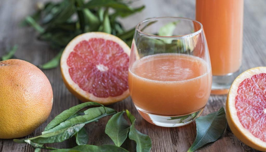 Antioxidant diet with grapefruit juice