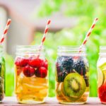 Flavored water: benefits and recipes