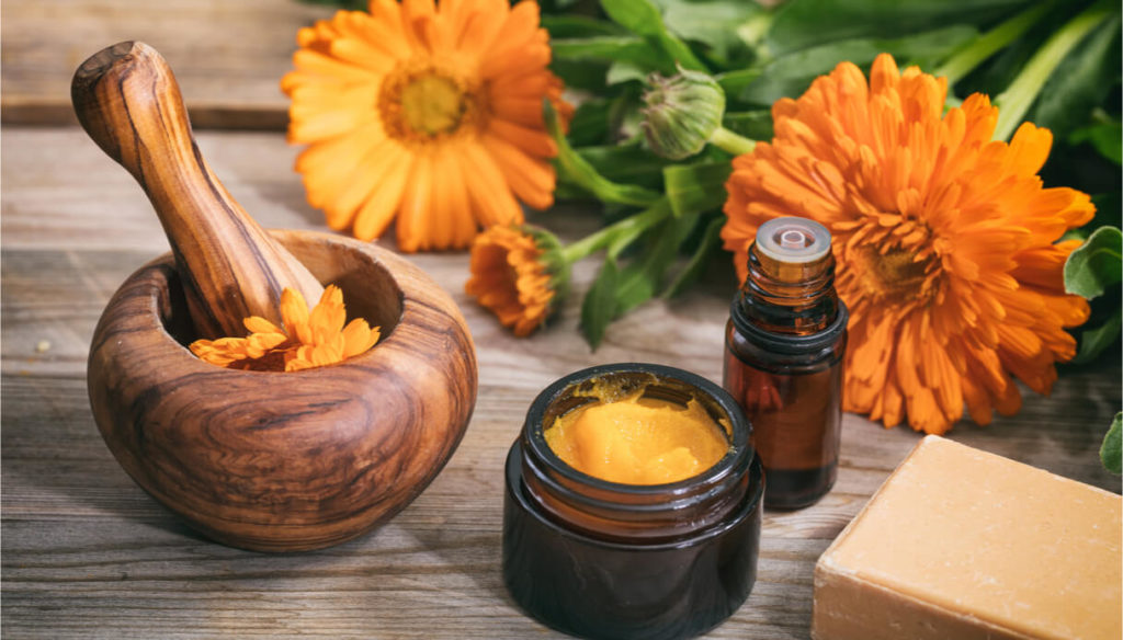 How to use calendula oil for wrinkles and hair