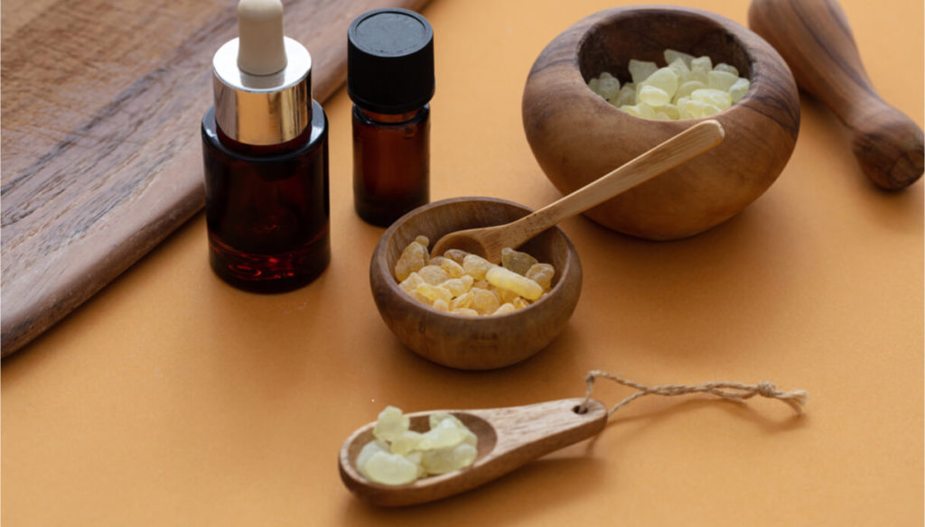 How to use mastic oil for the skin